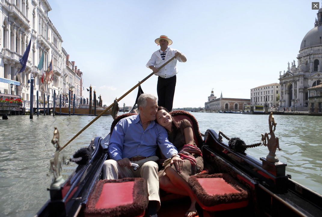 Ara.cat, 12.08.2017: Venice Approves A Code Of Conduct And Will Fine The Tourists, Who Won't Respect It