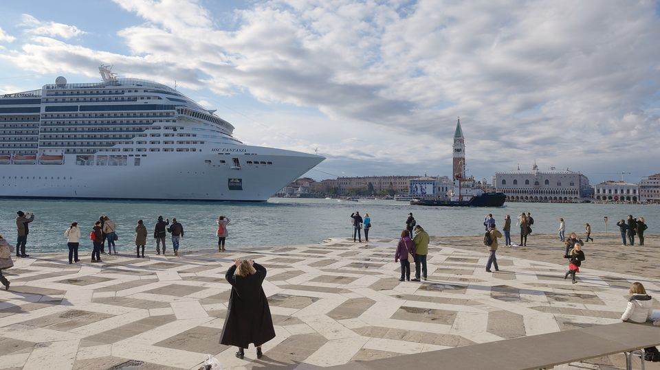 The Art Newspaper, 04.12.2017: This Is No Way To Solve The Cruise Ship Issue In Venice